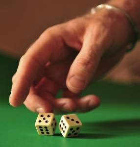 how to shoot dice at the casino