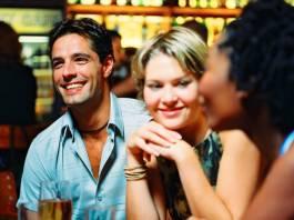 How to attract men in public