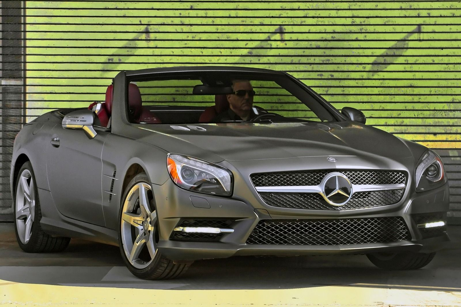 Mercedes benz sl400 2015 specifications and price for Mercedes benz sl550