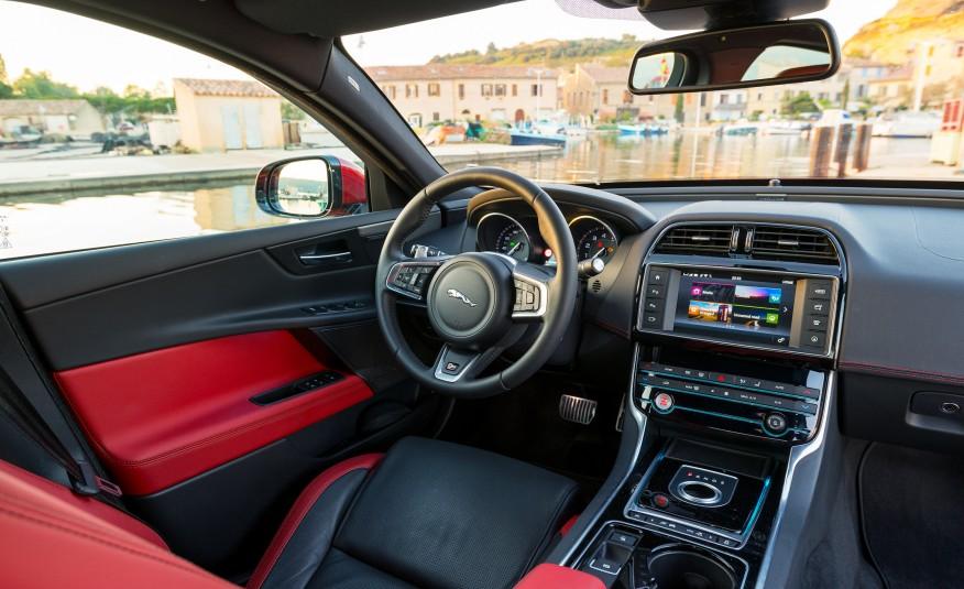 Jaguar XE S 2017
