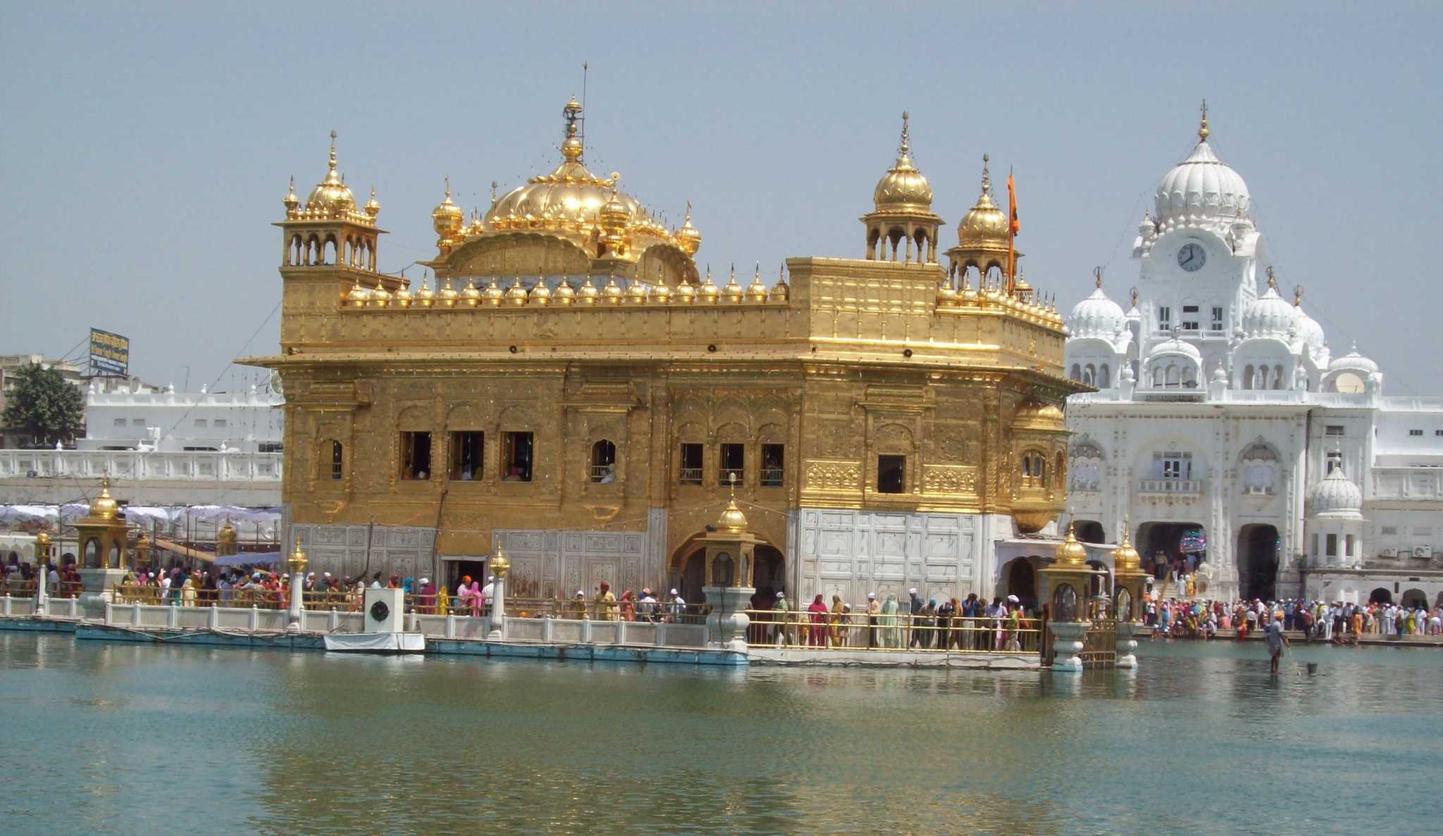 amritsar's historic golden temple and the akal takhat