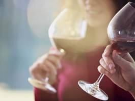 Women Drinking Alcohol Faces Serious Problems