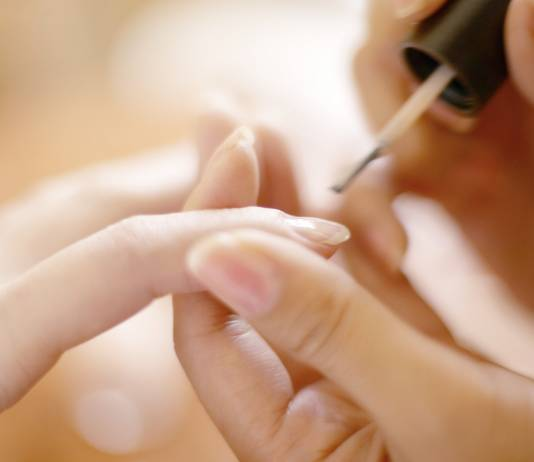 Keep Your Nails Safe While in a Nail Salon